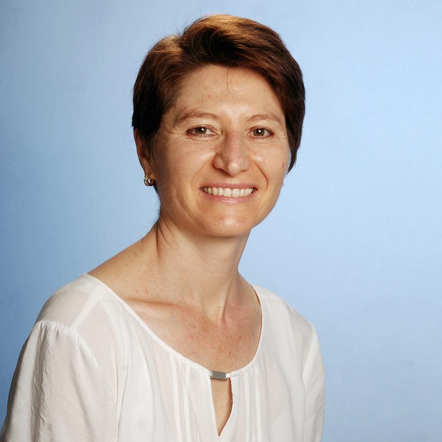 Wer ist Irina Basenius?